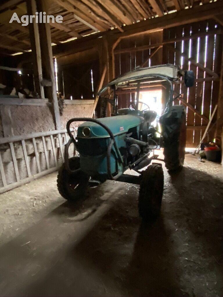 DEUTZ-FAHR 4005 Radtraktor